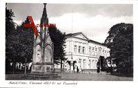 Aurich in Niedersachsen, Partie am Ehrenmal 1870 71 mit Piqueurhof