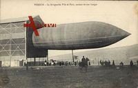 Verdun, Zeppelin, dirigeable Ville de Paris, sortant de son hangar