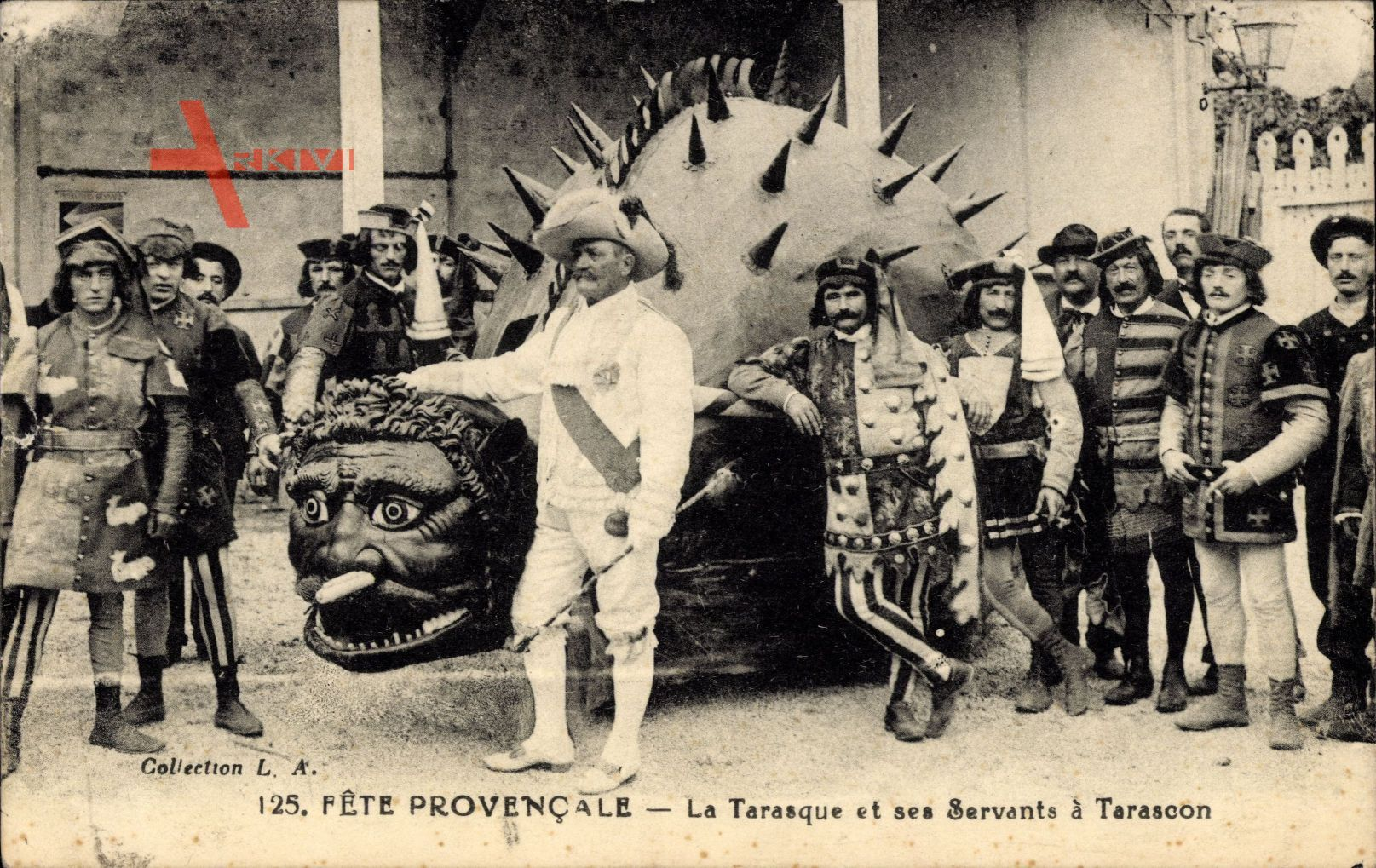 Tarascon Bouches du Rhône, Fête provencale, La Tarasque et ses Servants