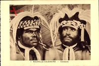 Neukaledonien, Canaques, zwei Eingeborene in Tracht, Federschmuck