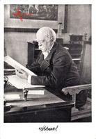 Fürst Otto von Bismarck am Tisch sitzend mit Dokumenten, Friedrichsruh