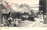 Garmisch Partenkirchen, Frühlingstraße mit Zug der Alpspitze, Musiker, Tracht