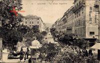 Ajaccio Corse du Sud, Le Cours Napoleon, Kutsche, Passanten