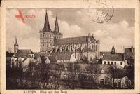 Xanten am Niederrhein, Blick auf den Dom über Häuser hinweg, Glockenturm