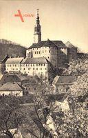 Weesenstein Müglitztal, Blick auf den Ort und das Schloss im Frühling