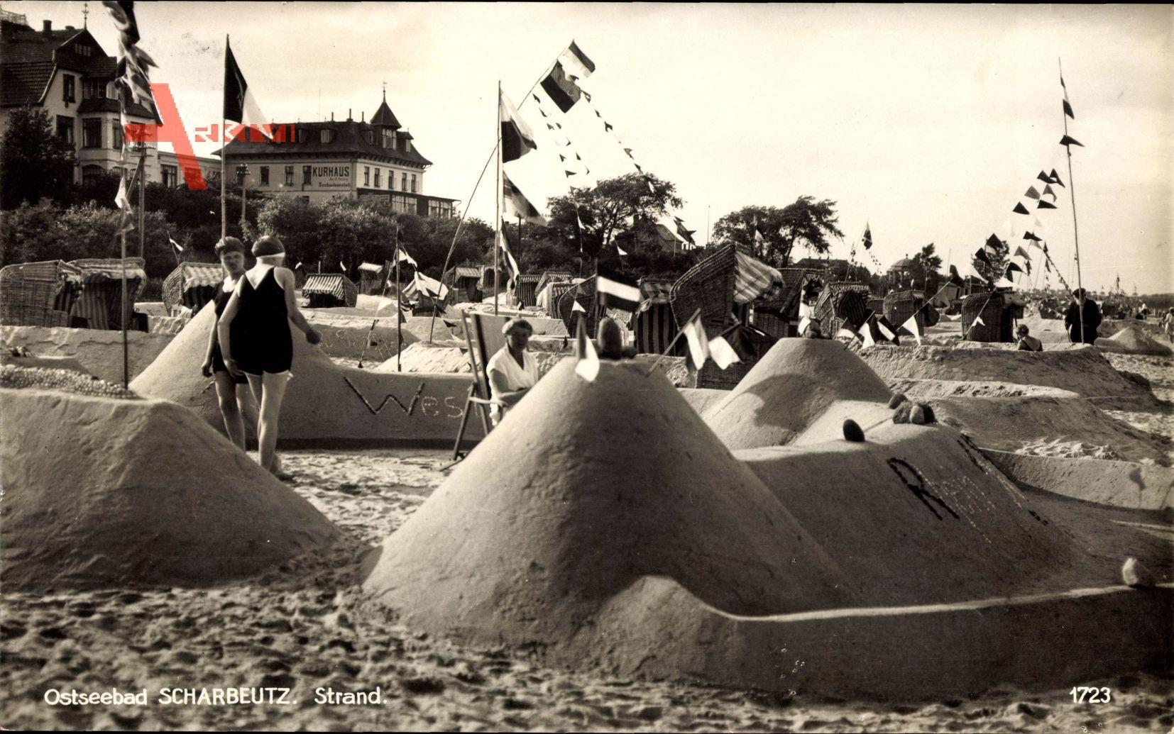 Scharbeutz in Ostholstein, Ostseebad, Sandburgen am Strand