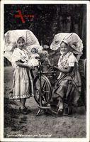 Spreewälderinnen am Spinnrad, Trachten, Puppe