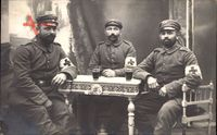 Deutsche Sanitäter, Erster Weltkrieg, Armbinden, Weingläser