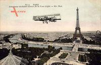 Paris, Aéroplane évoluant autor de la Tour Eiffel, Eiffelturm, Flugzeug