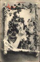 Passepartout Automne, Herbst, Junge Frau isst Weintrauben