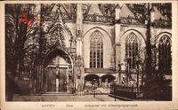 Xanten, Südportal vom Dom mit Kreuzigungsgruppe