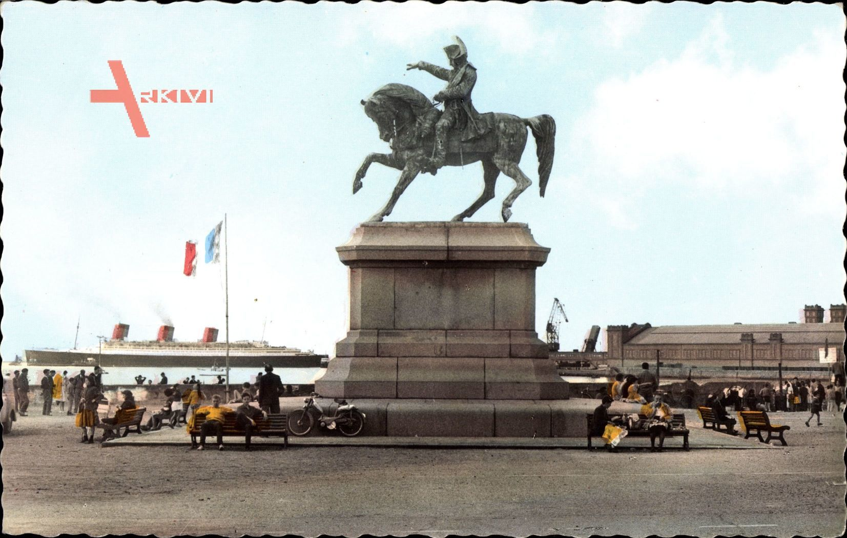 Cherbourg Octeville Manche, Statue de Napoleon, Steamer Queen Mary