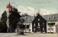 Itzehoe in Schleswig Holstein, Schloss Breitenburg mit Brunnen, Rankenbewuchs