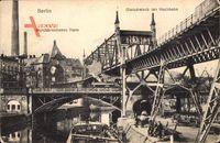 Berlin Kreuzberg, Durchbrochenes Haus, Gleisdreieck der Hochbahn