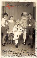 Karnevalsgesellschaft 1927, Kostüme, Clown, Lederhosen