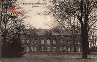 Berlin Pankow Niederschönhausen, Blick auf das Schloss, Fassade
