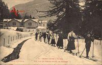 Luchon Haute Garonne, Sports dHiver, File de Skieurs, Thermes