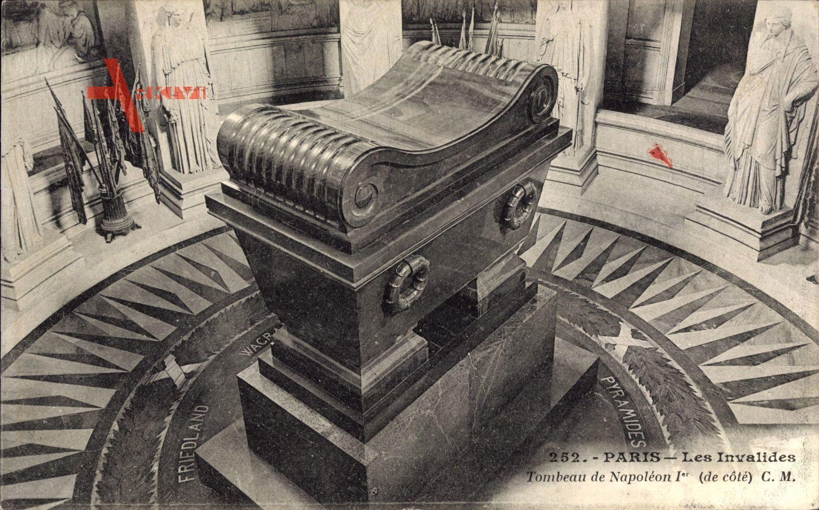 Paris, Les Invalides, Tombeau de Napoleon I., Vue de côté
