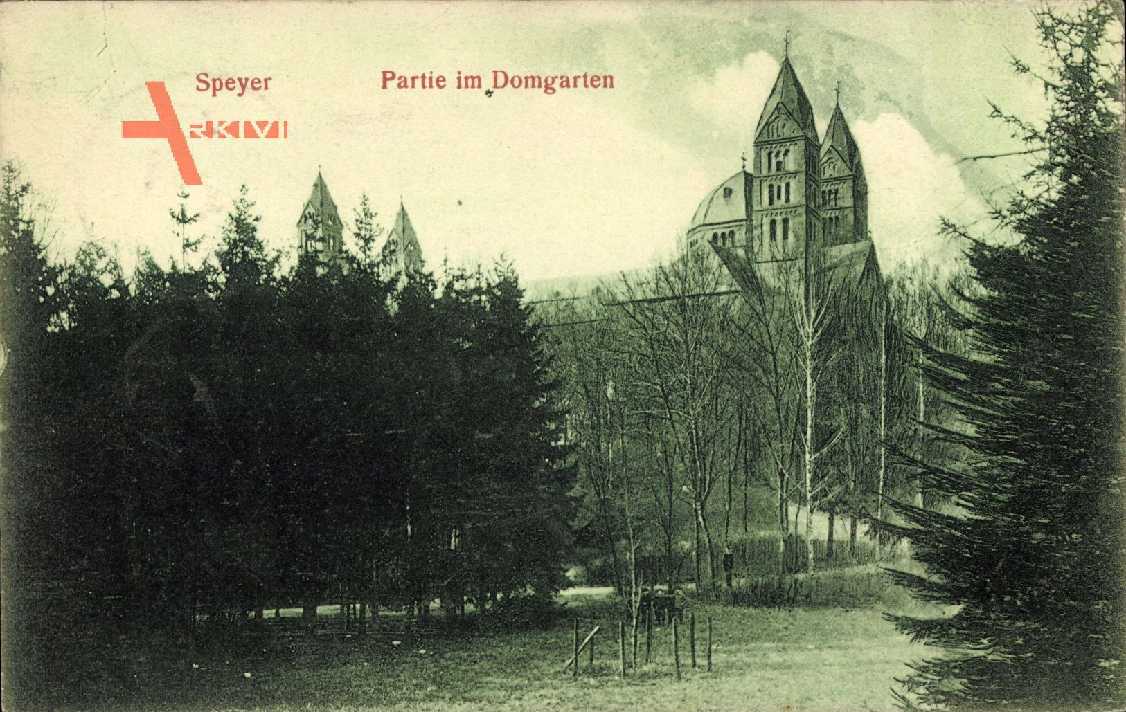 Speyer, Partie am Domgarten mit Dom im Herbst