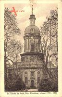 Berlin Pankow Buch, Straßenpartie mit Blick auf die Evangelische Kirche
