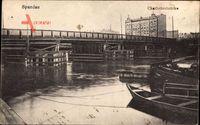 Berlin Spandau, Charlottenbrücke, Holzboote, Gebäude