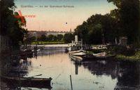 Flusspartie mit Dampfer an der Spandauer Schleuse in Berlin Spandau um 1911
