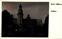 Berlin Reinickendorf Wittenau, Blick auf das Rathaus mit Glockenturm