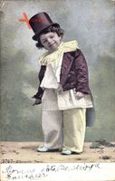 Frankreich, Junge in Karnevalskostüm, Zylinder, Frack