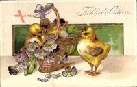 Glückwunsch Ostern, Drei Küken in einem Korb mit Blumen