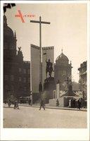 Praha Prag Tschechien, Straßenpartie mit Denkmal, Christus Regnai, Kreuz