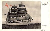 Blick auf das Segelschulschiff Gorch Fock unter vollen Segeln