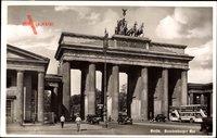 Berlin Mitte, Blick auf das Brandenburger Tor, Bus, Quadriga