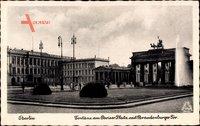 Berlin, Fontäne am Pariser Platz mit Brandenburger Tor