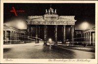 Berlin, Das Brandenburger Tor in Festbeleuchtung