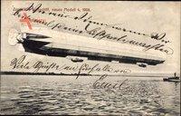 Zeppelins Luftschiff, neues Modell 4 von 1908, Über dem Wasser schwebend