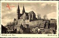 Quedlinburg im Harz, Blick auf das Schloß mit Dom, Fachwerkhäuser