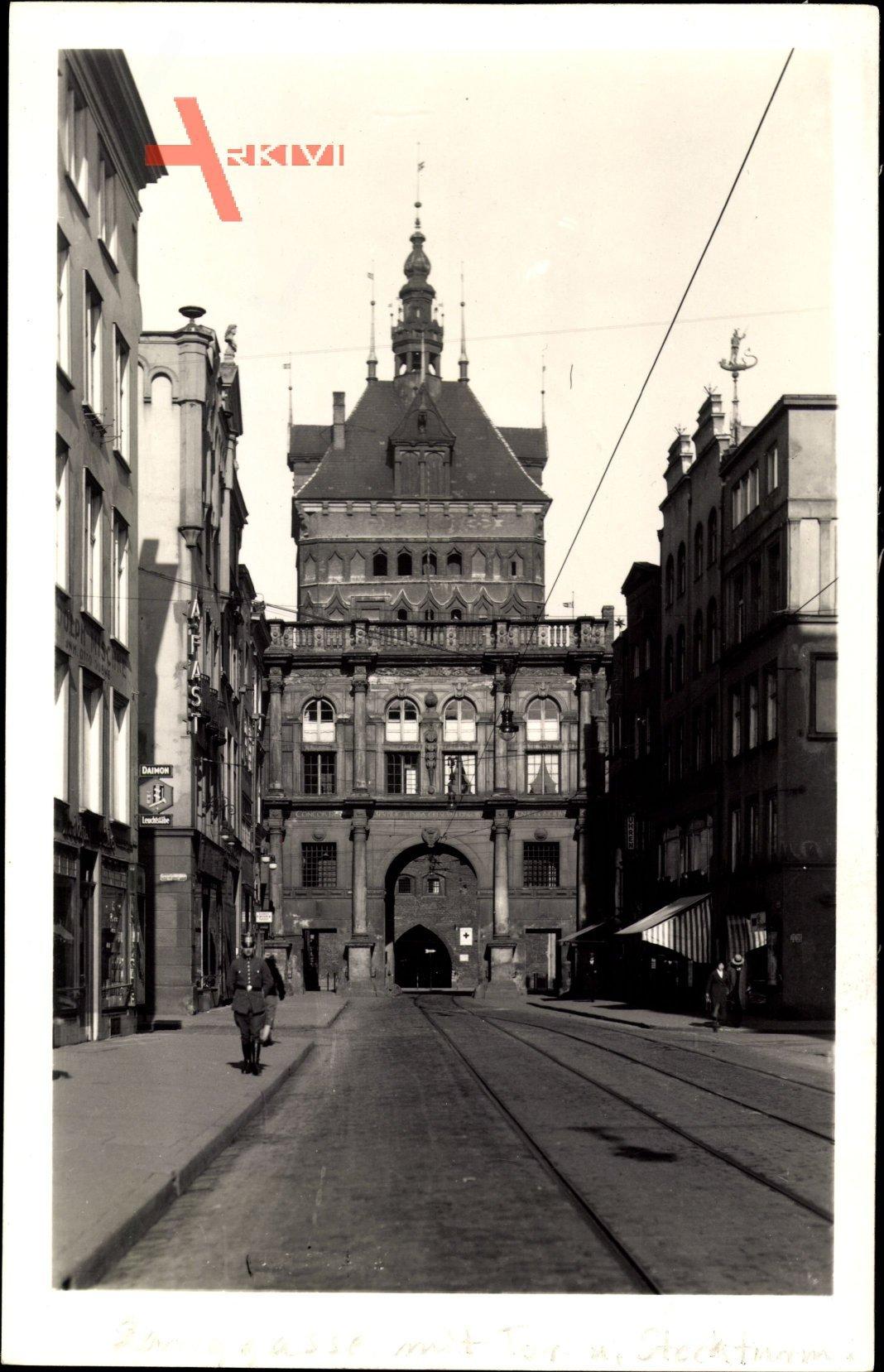 Gdańsk Danzig, Straßenpartie mit Blick auf den Stockturm, Langgasse