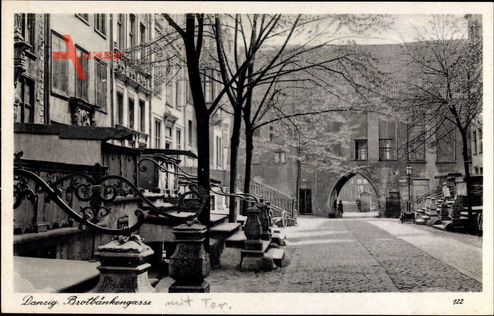 Gdańsk Danzig, Blick in die Brotbäckergasse mit Tor, Treppen