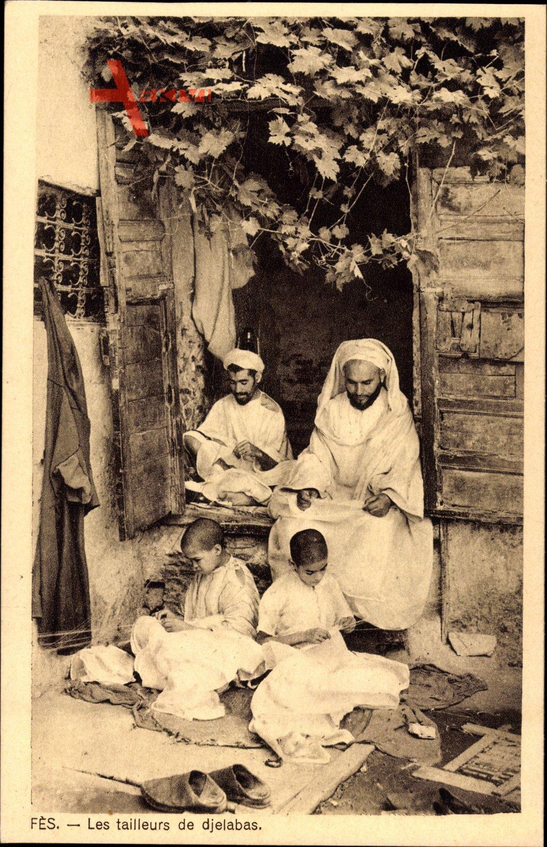 Fès Fez Marokko, Les tailleurs de djelabas, Schneider bei der Arbeit