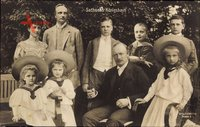 König Friedrich August III. von Sachsen mit seinen Kindern