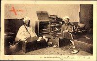 Marokko, Les Relieurs, Marokkanische Buchbinder bei der Arbeit