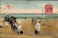 Frankreich, Les petits Travailleurs de la Mer, Kinder am Strand