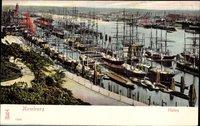 Hamburg, Liegende Segelschiffe im Hafen, Umgebung