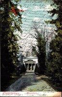 Berlin Charlottenburg, Blick vom Park auf das Mausoleum