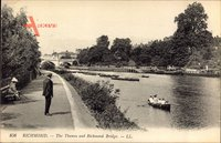 Richmond London, The Thames and Richmond Bridge, Ruderer