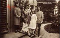 Großherzog Friedrich August von Oldenburg mit Kindern