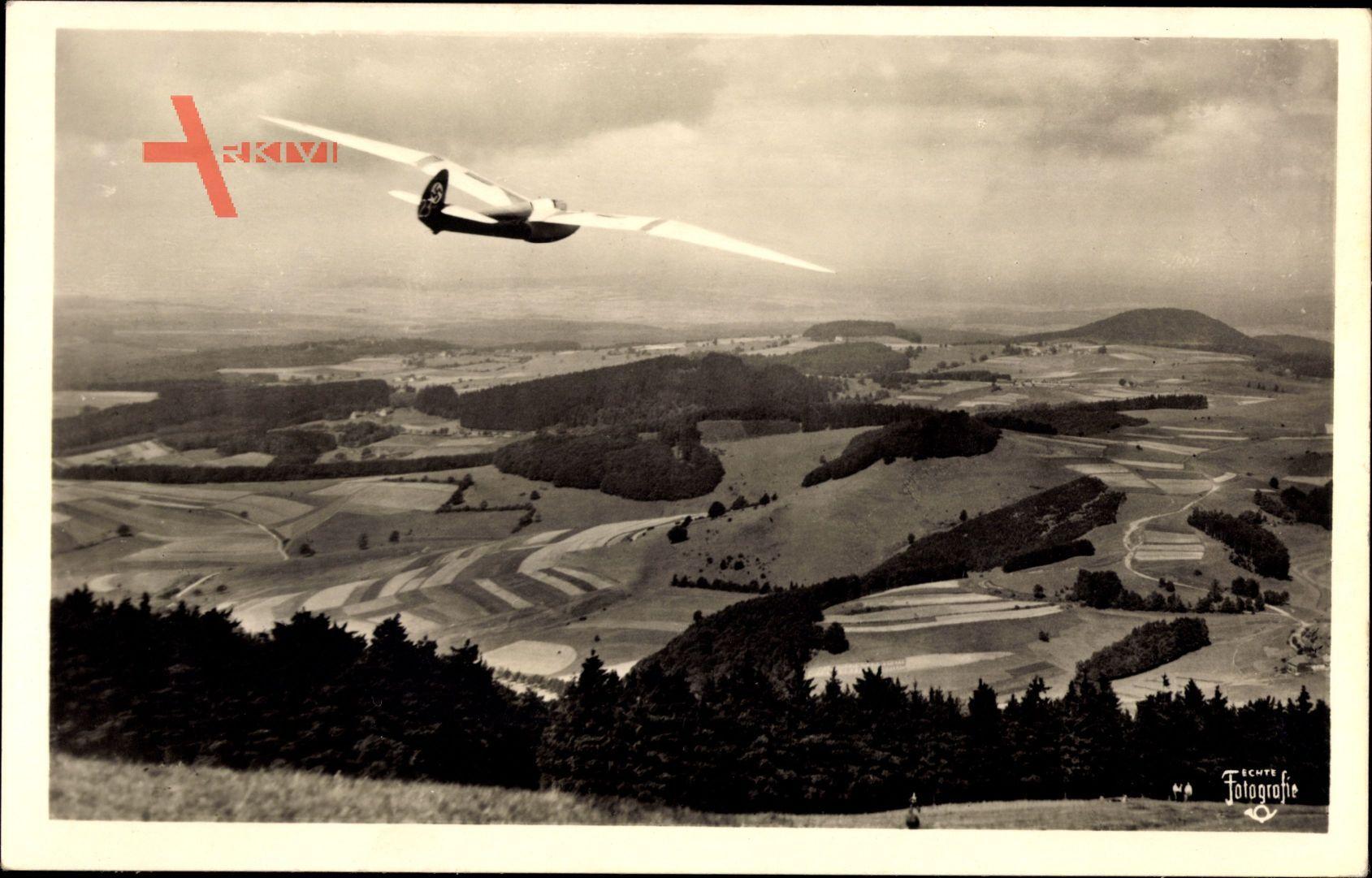 Im Fluge über der Rhön, Deutscher Segelflug, Segelflugzeug