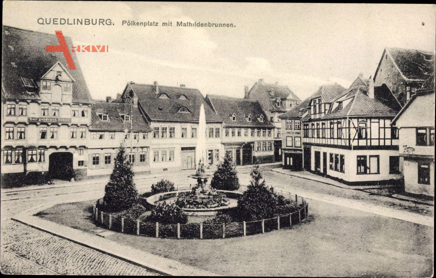 Quedlinburg im Harz, Pölkenplatz mit Mathildenbrunnen, Fachwerkhaus