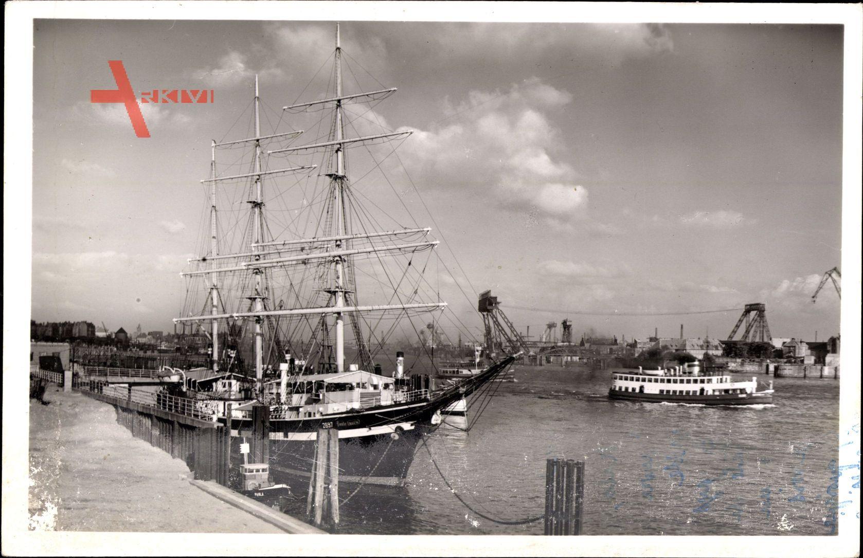 Hamburger Hafen, Hotelschiff Seute Deern, Restaurant, Segelschiff
