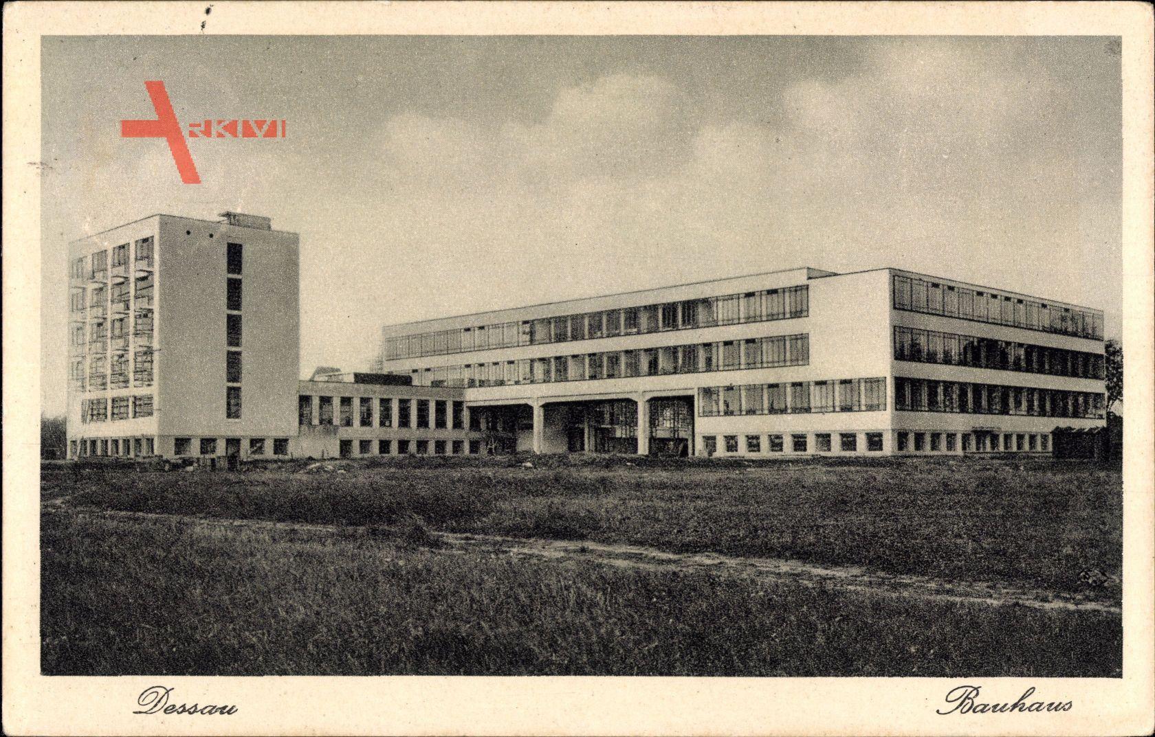 Dessau in Sachsen Anhalt, Totalansicht vom Bauhaus